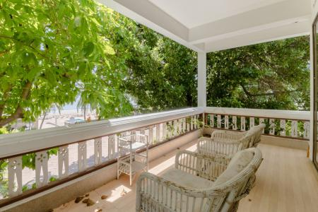 Best Location Beachfront Townhouse with 13