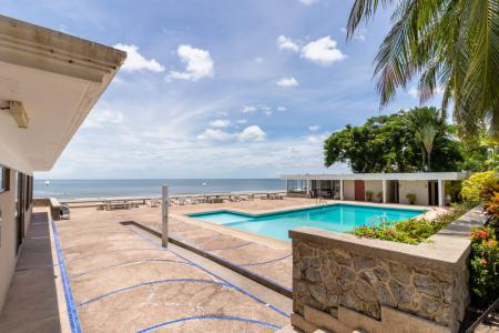 Best Location Beachfront Townhouse with 28
