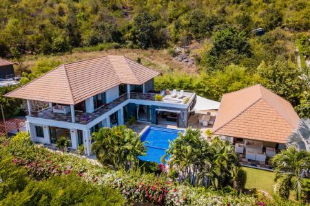 PHU MONTRA: Outstanding 5 Bed Pool Villa
