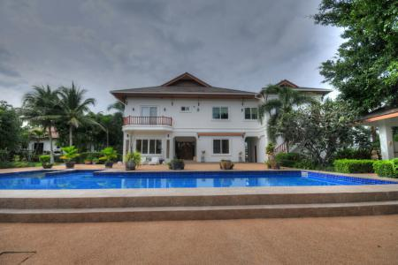 H5 Bed 2 Storey Pool Villa