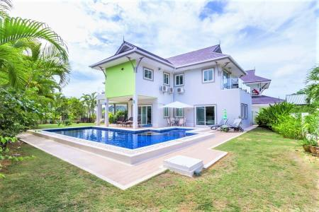 THE HEIGHTS 2: 2 Storey Pool Villa with clear Panoramic Views of the Sea and Mountains