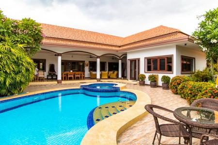 BELGRAVE VILLAS : Newly Remodeled L-shaped pool villa