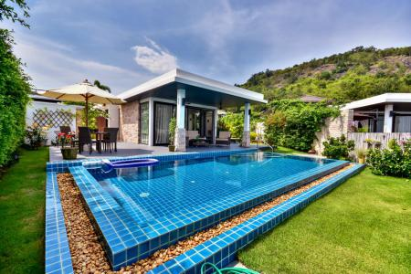 THE SPIRIT: Lovely 3 Bed Pool Villa with Sea and Mountain Views