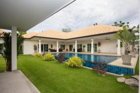 Luxury 4 Bed Pool Villa in Hua Hin