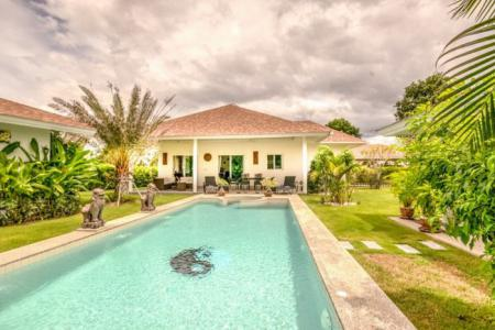GROVE VILLAS : Beautiful Countryside Retreat 3 Bed Pool Villa