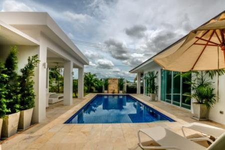 WHITESTONE VILLAS : Luxury Modern 3