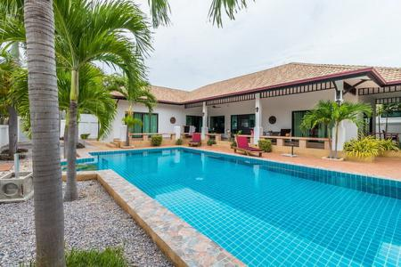 NATURE VALLEY 1: Well Designed Modern 5 Bed Pool Villa