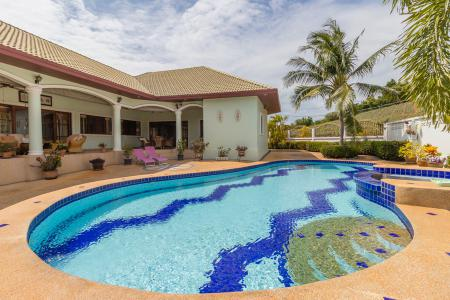 STUART PARK 1 : Well Constructed 3 Bed Pool Villa