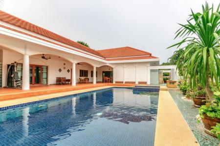 SIAM VILLAS 2 : Well Designed Large Pool Villa