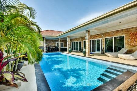 SUNSHINE 4 : Great Quality 4 Bed Pool Villa