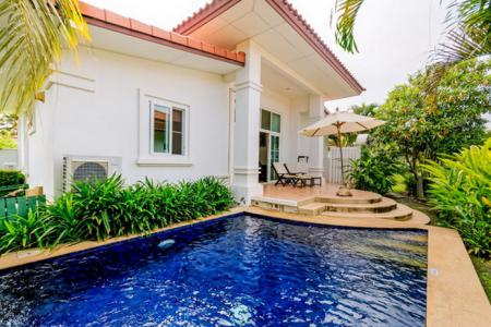 BANYAN RESIDENCES : 2 Bed Bali Style Resort Pool Villa