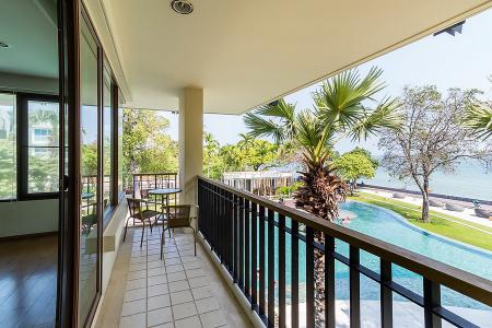 Luxury 3 Bed Beachfront Condo