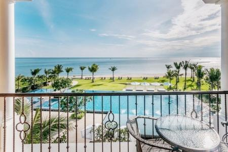 Amazing absolute Beachfront new Condo on pristine beach