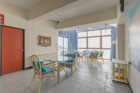 2 Bed Condo with Picturesque Sea View and Mountain View