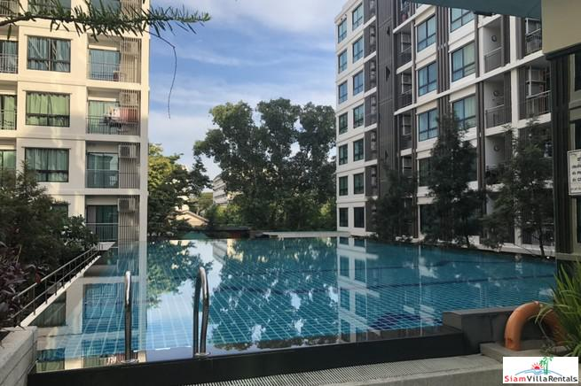 Roomy Two Bedroom in Low Rise Near MRT Phahon Yothin