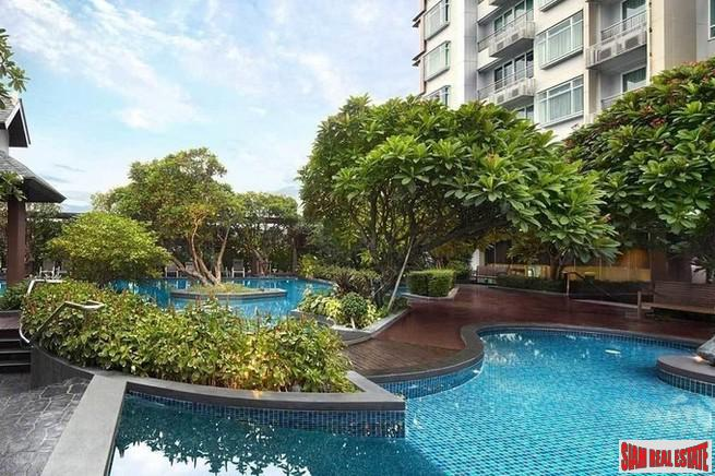 Two Bedroom Condo with Sweeping City Views on the 40th Floor in Phetchaburi