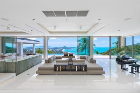 A Beautiful  Six Bedrooms Villa For Sale in Samui