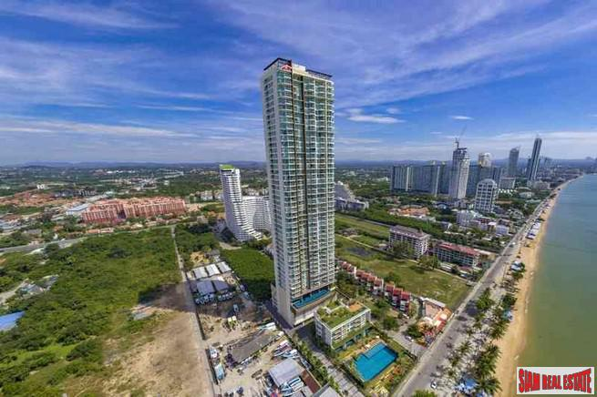 2 bedroom beach front condo for rent at high floor- Jomtien