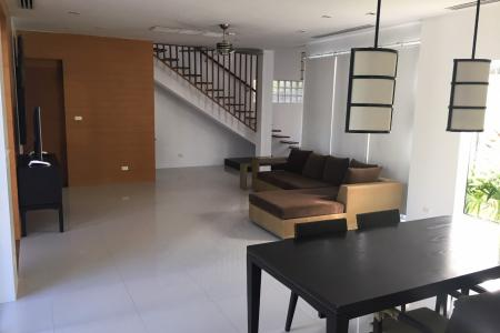Modern and Quiet Four Bedroom 2