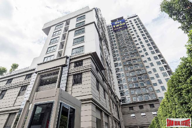 Newly Completed Classy High-Rise Condo at Wongwian Yai BTS, Sathorn