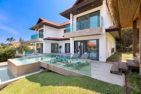 STUNNING KOH SAMUI VILLA FOR SALE NEXT TO THE BEACH S1594