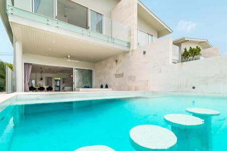 LUXURY VILLA CLOSE TO THE 2