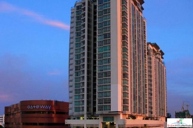 Spacious Furnished Two Bedroom Condo 8