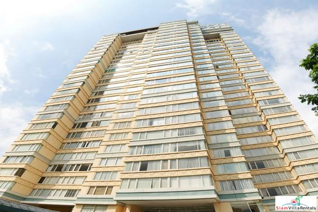 Hampton Thonglor | Three Bedroom for Rent with City Views in Thong Lo