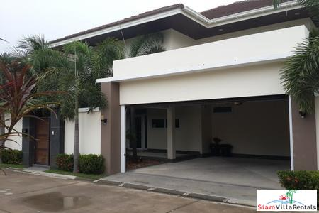 Spacious, Modern 4-Bedroom Pool Villa in Jomtien