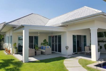 SPECIAL OFFER - Luxury 3 bedroom Pool Villa, just 10 minute to Hua Hin Centre - 4572