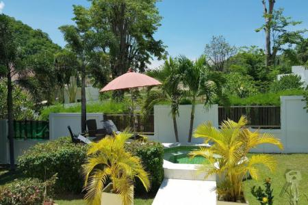 Pool Villa For sell in 17