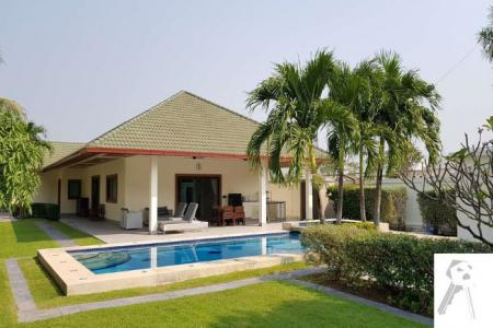 Pool Villa for sell in Hua Hin with nice and big kitchen area, quiet and big living area - 4596