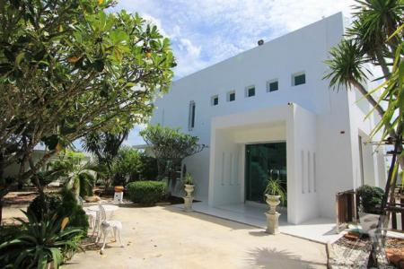 2 Stories Pool Villa for sell in Hua Hin with nice view, nice decorate and big of living space - 4517