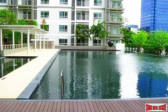 Sunny Two Bedroom Condo with Vast City Views in Lat Phrao