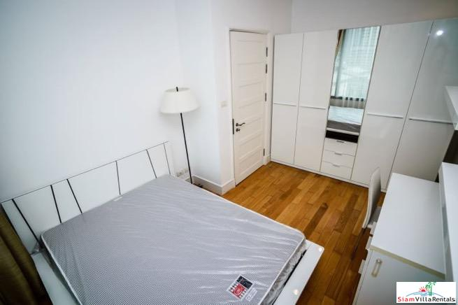 Charming Deluxe Two Bedroom Condo 11