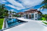 New Four Bedroom One Storey Private Pool Villa Overlooking the Golf Course in Laguna