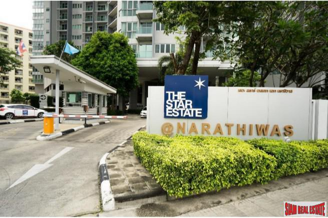 Elegant and Spacious Three Bedroom Condo with Extras in Chong Nonsi