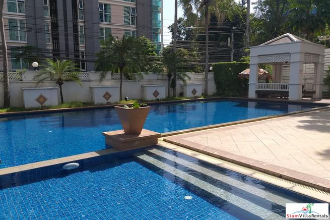 Sunny & Light Two Bedroom Condo with Excellent Facilities in Ekkamai