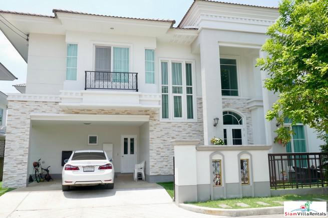 Beautiful Three Bedroom Estate Home for rent in Dok Mai, Bangkok