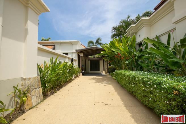 Immaculate Five Bedroom Tropical Paradise 2