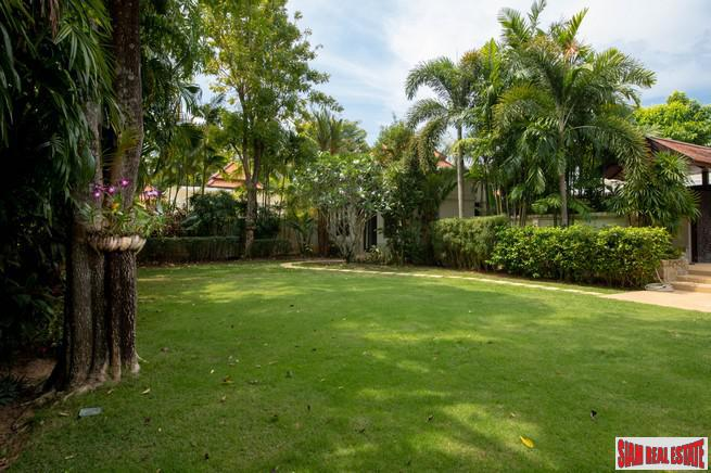 Immaculate Five Bedroom Tropical Paradise 24