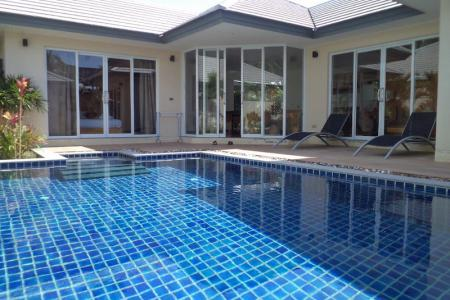 KOH SAMUI VILLA FOR SALE NEXT TO THE BEACH  S1657