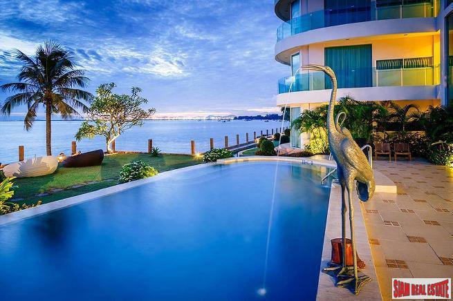 Large Beautiful 1 bedroom condo with beachfront for sale - Banglamung