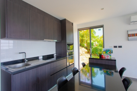 Charming Modern Three Bedroom Pool 10