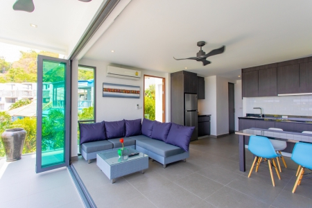 Charming Modern Three Bedroom Pool 11