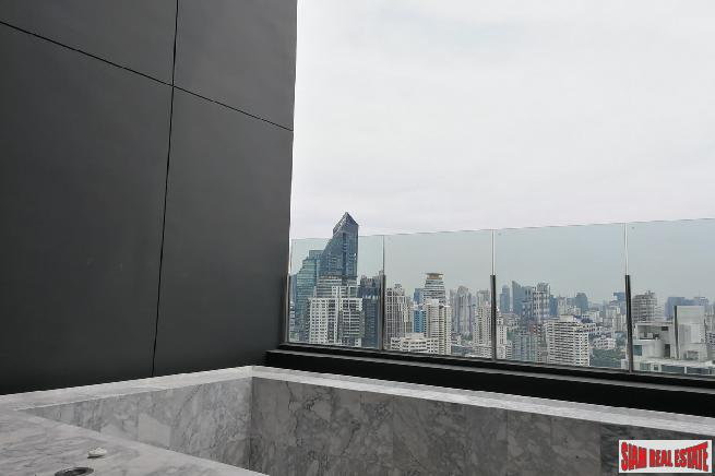 Penthouse with Private Jacuzzi Pool 14