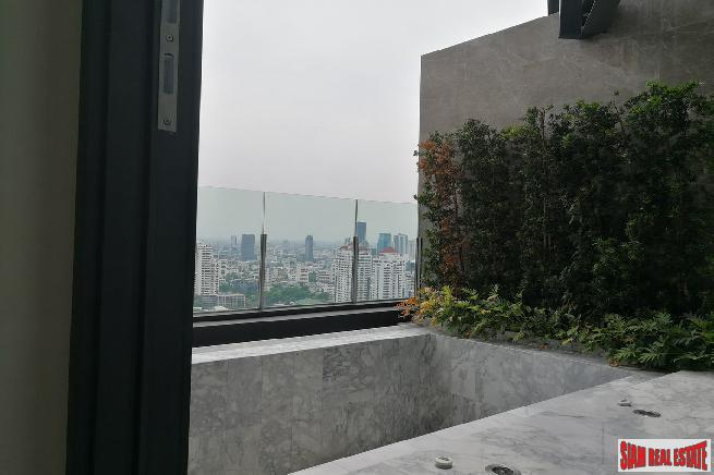 Penthouse with Private Jacuzzi Pool 15
