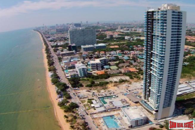 Large beautiful Studio condo on a high floor with direct sea view for sale - Jomtien