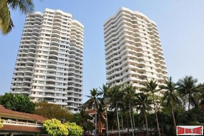 Luxury 3 bedrooms condo up on the hill of Pattaya for sale - Phratamnak Hill