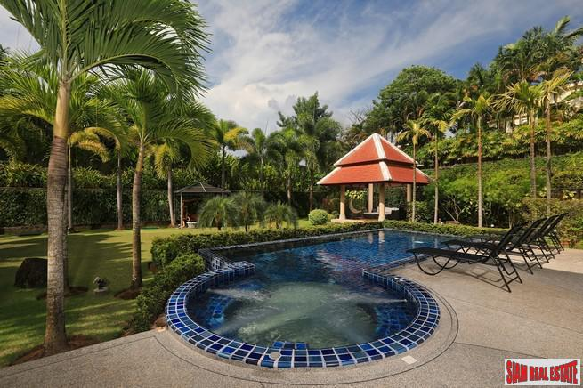 Exquisite Four Bedroom Tropical Pool 15